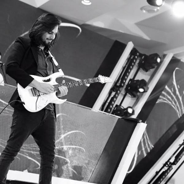 מורה לגיטרה בירושלים (בנוסף באס, קלידים , סאונד והפקה)