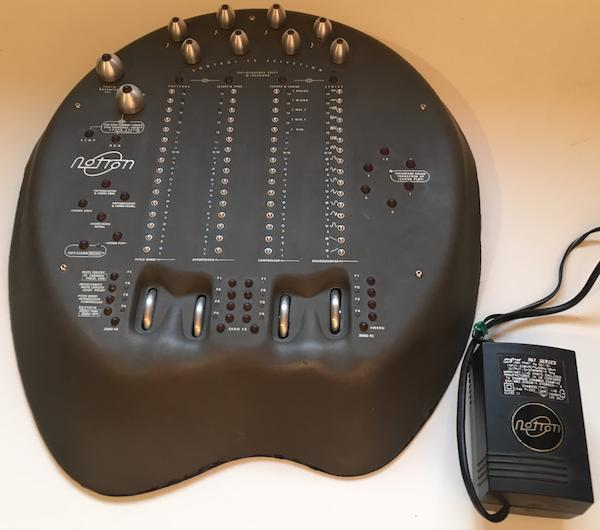 כלי אלקטרוני נדיר Latronic Notron Mk1