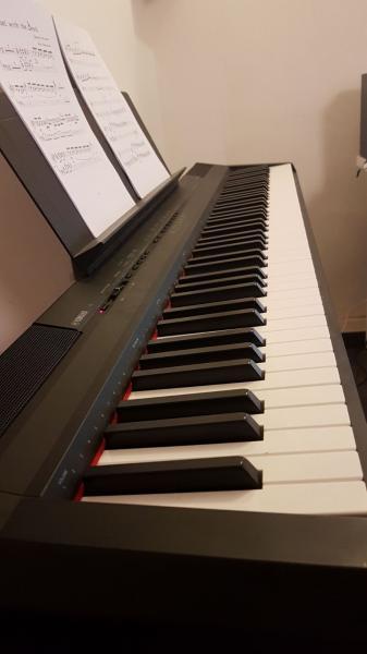 מפוארת הבזאר- לוח יד שניה, דרושים | פסנתרים חשמליים / אורגנים | פסנתר TZ-14