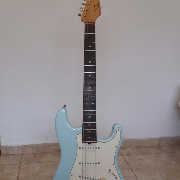 למכירה גיטרה חשמלית sure t classic