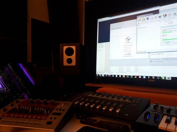 שיעורי פסנתר (פרדס חנה, M.T Studio)