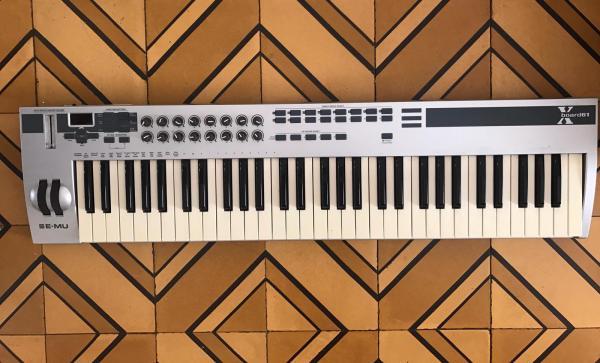 מקלדת שליטה E-MU Xboard61
