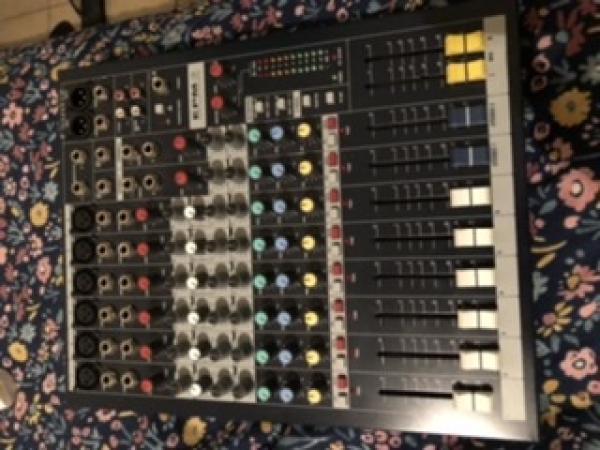 מיקסר soundcraft epm 6